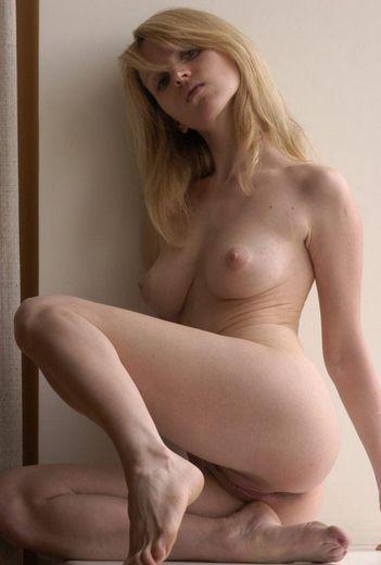 escort girl Carly